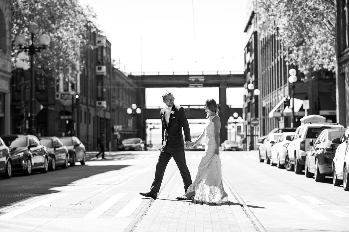 bride_groom_walking