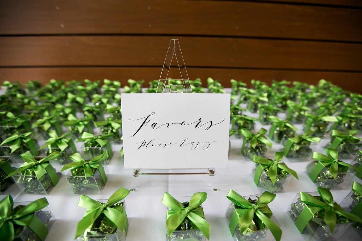 wedding_details_favors