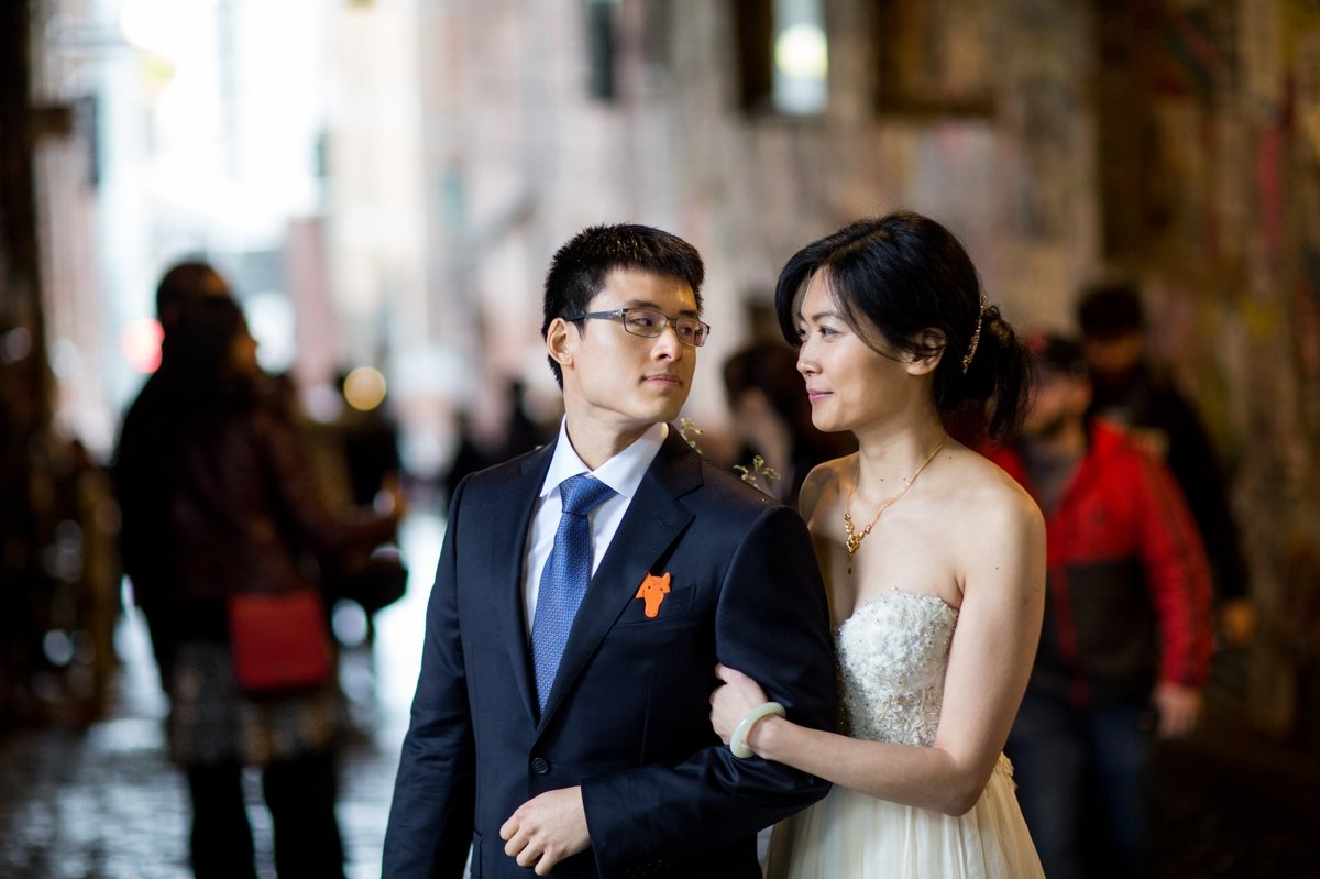bride_and_groom_pike_place_market