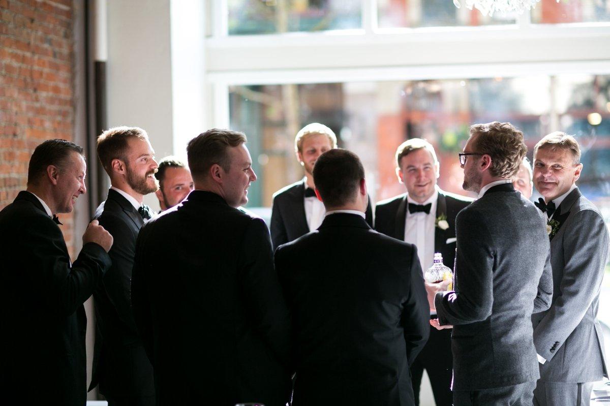 groomsmen_pre_ceremony