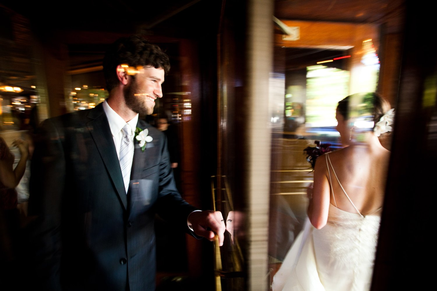 bride_and_groom_window_reflection