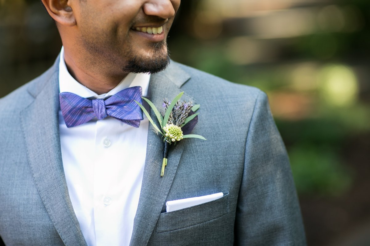 groom_detail_of_bow_tie_and_boutineer